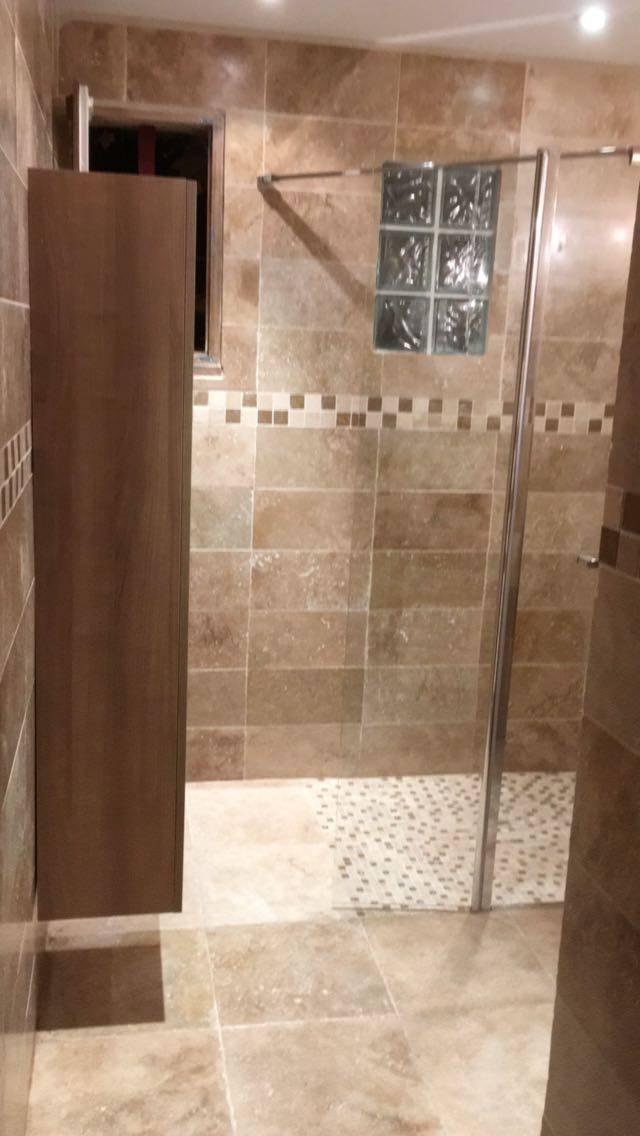 Rénovation et modernisation de salle de bain avec douche à l ...